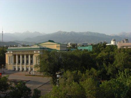 Almaty, ehemalige Hauptstadt von Kasachstan - größeres Bild durch Anklicken!