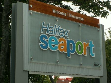 Halifax, schwierig zu photographieren- größeres Bild durch Anklicken!